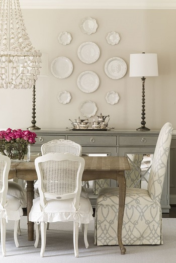 Satisfying symmetry How To Display China Touch To Your Home Decoration For Beautiful Spaces