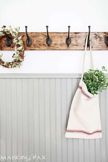On Budget Towel Rack Ideas As Your Adorable DIY Project