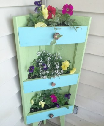 Planter stand for the corner