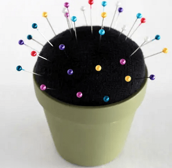 Pin cushion DIY Dazzling Ways To Reuse Old Mismatched Socks
