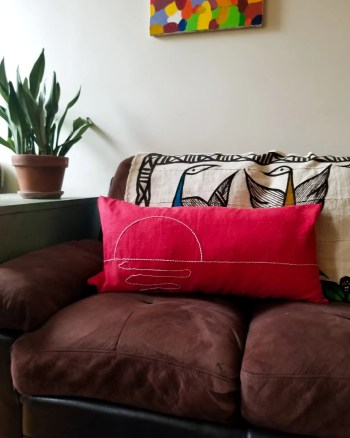 Diy line embroidery on pillow