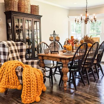 Gorgeous home decor with mustard touches to feel warm during this fall 3