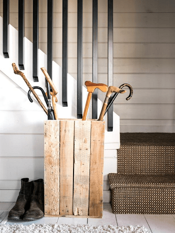Shipping pallet umbrella stand DIY Aesthetic Umbrella Stand Ideas To Create Yourself For Hallway