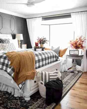 Bedroom with amazing autumn vibes