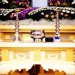 お葬式の祭壇のアップ画像