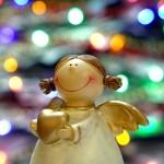 ハートを持った小さな天使の人形
