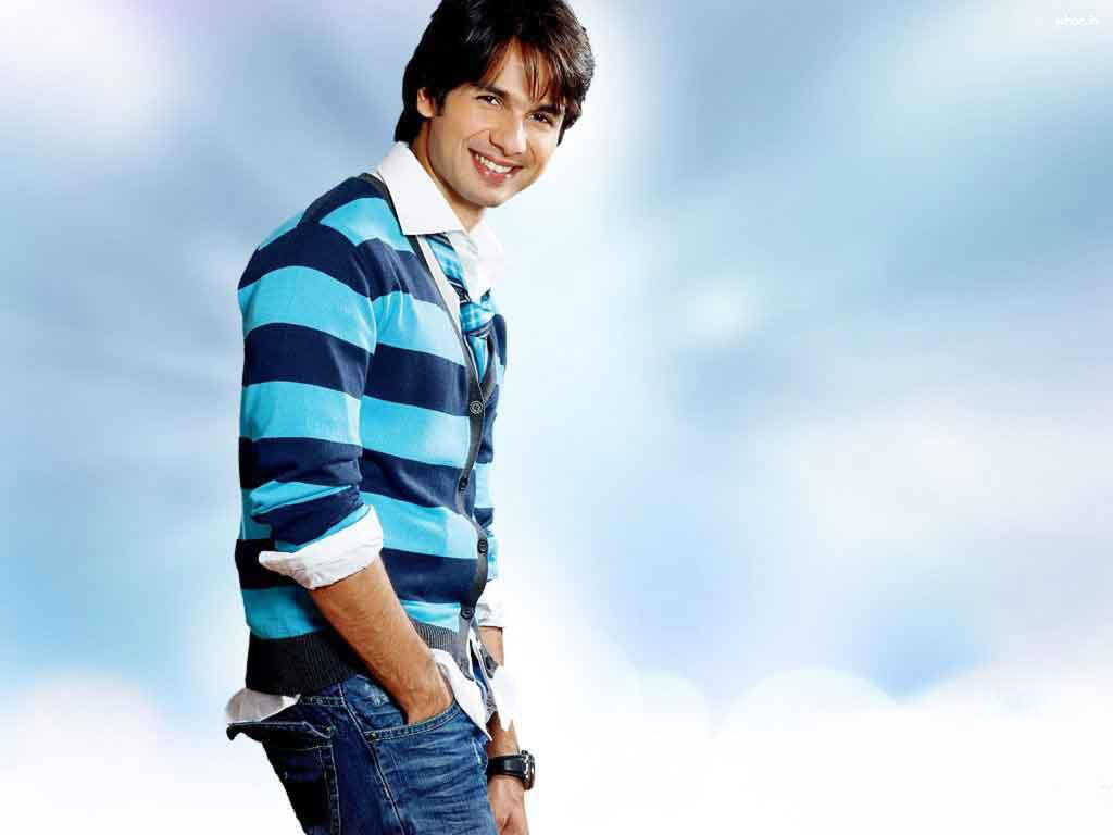 Shahid Kapoor Stylish Photos