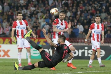 Olivier Giroud contre l'Etoile Rouge de Belgrade.