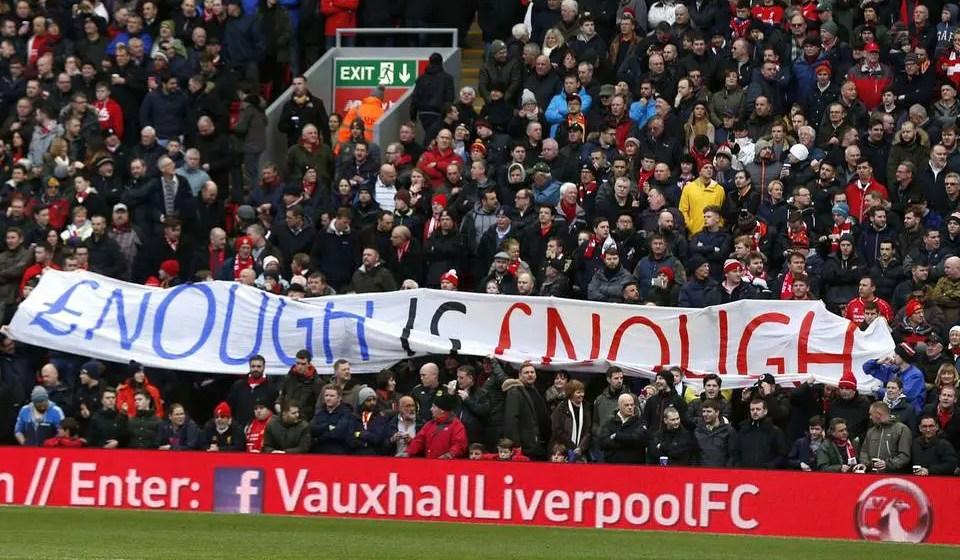 Les supporters de Liverpool, déployant une banderole pour protester contre la hausse du prix des billets en 2016.