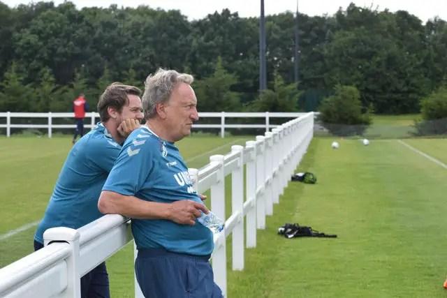 Neil Warnock s'apprête à attaquer sa très probable derniere saison sur un banc de touche. © hartlepoolmail.co.uk