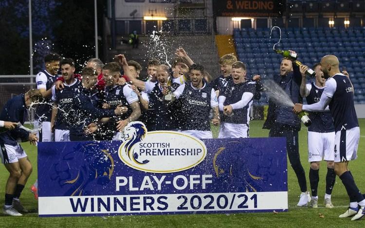 Dundee FC célébrant sa promotion en Premiership ©Dundee FC