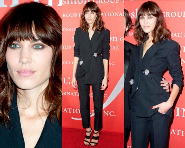 ALEXA CHUNG con smoking de CHRISTOPHER KANE - 30TH NIGHT OF STARS GALA