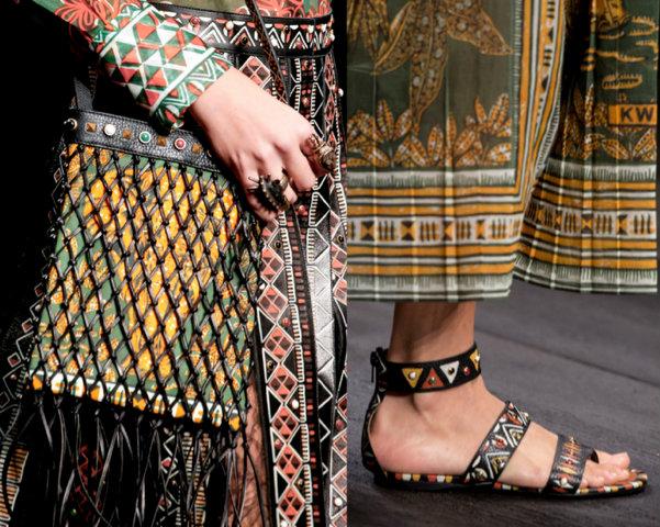 Valentino-Primavera-Verano2016-Colección36-Paris-Fashion-Week-godustyle