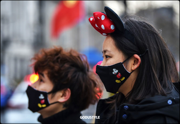 fashion-face-masks-coronavirus-look-street-style-details-shopping14-accessories-2020-moda-godustyle
