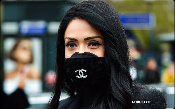fashion-face-masks-coronavirus-look23-street-style-details-shopping-accessories-2020-moda-godustyle
