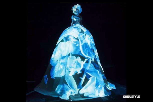 valentino-haute-couture-fall-2020-collection-look-style7-details-moda-alta-costura-godustyle