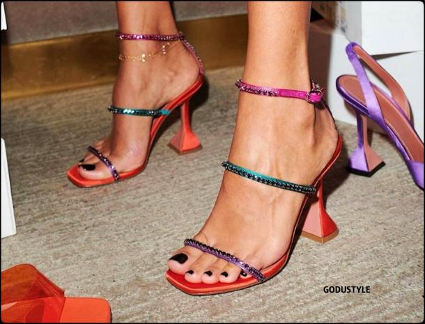 amina-muaddi-shoes-look2-street-style-details-gilda-sandals-shopping-moda-zapatos-godustyle.jpg