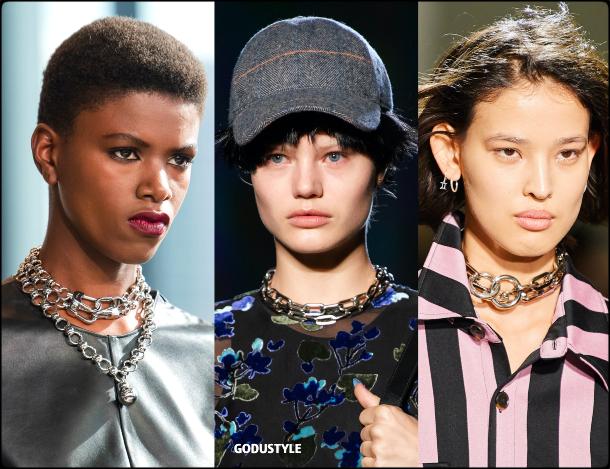 chain-jewelry-fall-2020-winter-2021-fashion-trend-look6-style-details-joyas-tendencia-moda-godustyle