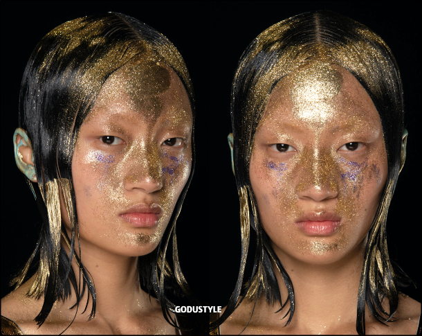 face-jewelry-makeup-trends-marni-fashion-beauty-look-fall-winter-2020-2021-style-details-moda-maquillaje-godustyle