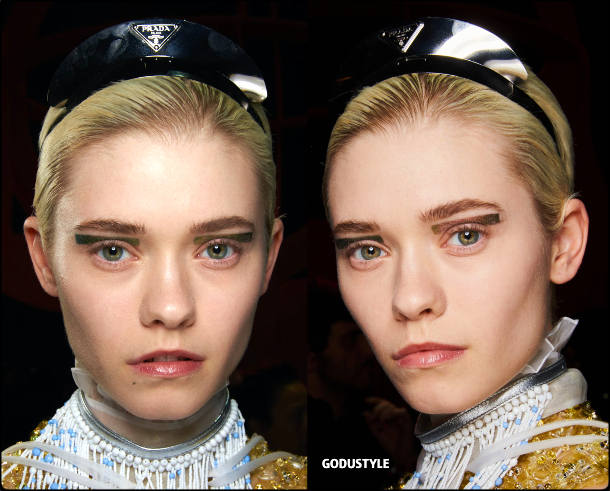 face-jewelry-makeup-trends-prada-fashion-beauty-look-fall-winter-2020-2021-style-details-moda-maquillaje-godustyle