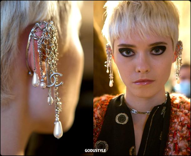 chanel-pre-fall-2021-metiers-d-art-jewelry-accessories-beauty-look-style-details-moda-godustyle