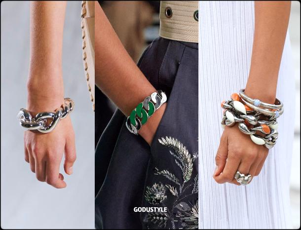 chain-bracelet-fashion-jewelry-spring-summer-2021-trends-look-style-details-moda-joyas-tendencias-godustyle