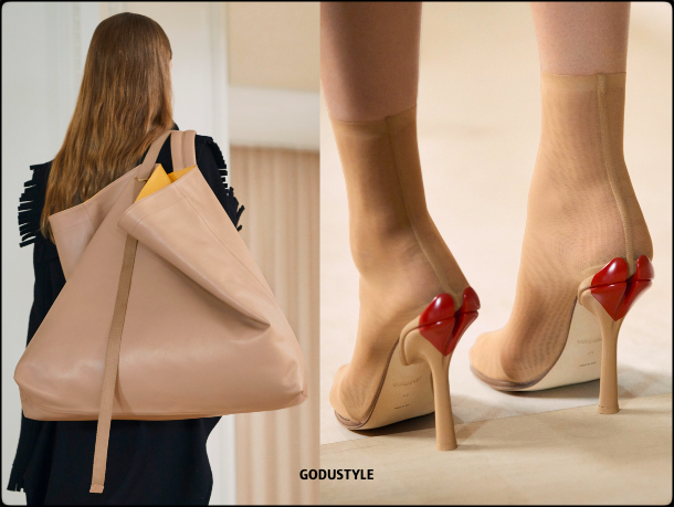 burberry-fall-2021-winter-2022-fashion-shoes-look5-style-details-accessories-review-moda-invierno-godustyle