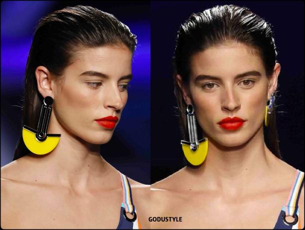 dolores-cortes-spring-summer-2021-fashion-swimwear-beauty-look6-accesssories-style-details-moda-godustyle