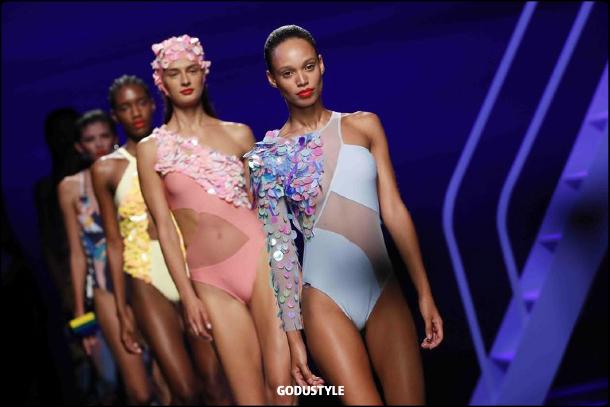 dolores-cortes-spring-summer-2021-fashion-swimwear-look-style4-details-shopping-moda-godustyle