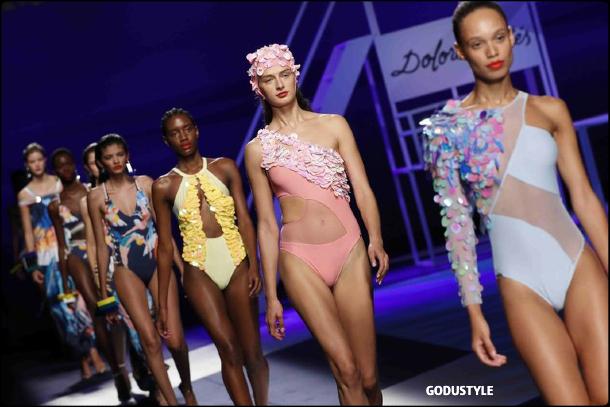 dolores-cortes-spring-summer-2021-fashion-swimwear-look-style5-details-shopping-moda-godustyle