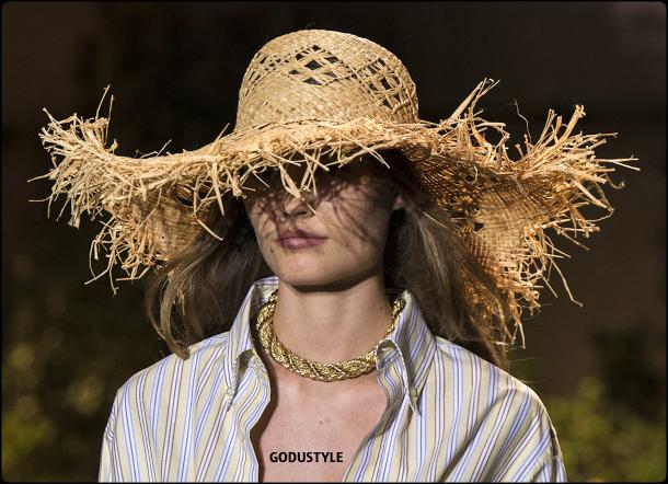 raffia- straw-hats-spring-summer-2021-accessories-fashion-trends-look4-style-details-shopping-moda-verano-godustyle