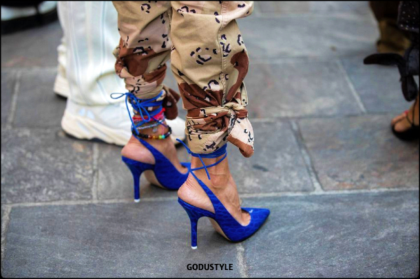 neon-blue-color-fashion-accessories-trend-look-street-style-details-2021-2022-shopping-moda-godustyle
