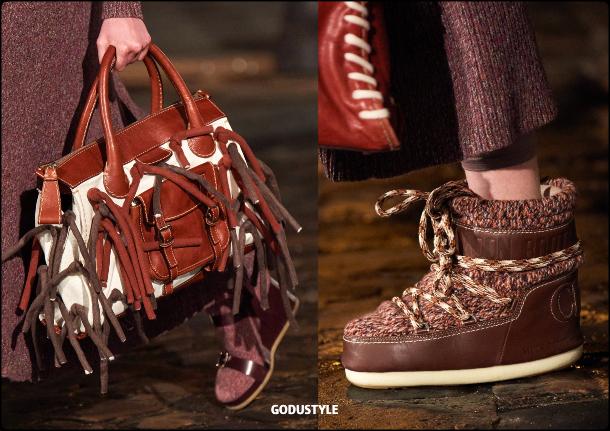 ski-accessories-chloe-fall-2021-winter-2022-trend-look-style-details-moda-tendencia-invierno-godustyle