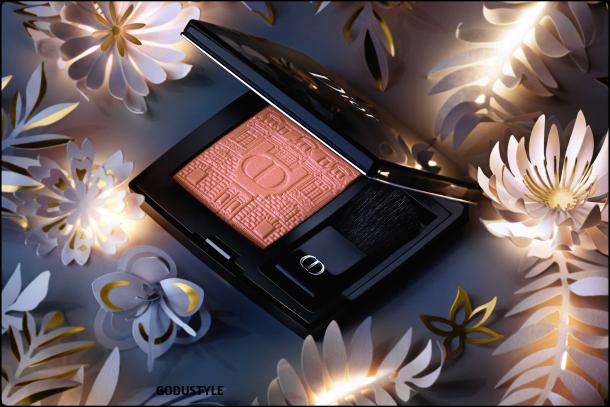 dior-atelier-of-dreams-holiday-2021-makeup-fashion-beauty-look5-style-maquillaje-navidad-belleza-godustyle