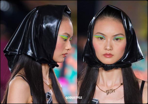head-scarves-fashion-beauty-spring-summer-2022-trends-look6-style-details-belleza-tendencias-verano-godustyle