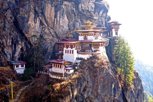 tigers nest paro bhutan