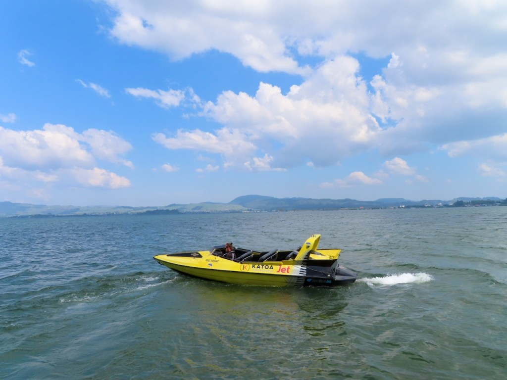 High Speed Boat heading toward Mokaia Island