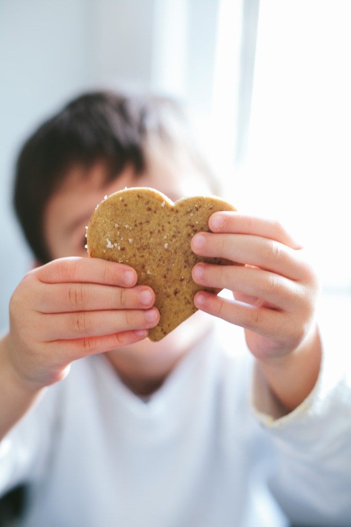 simple no-chill sugar cookies to bake with kids