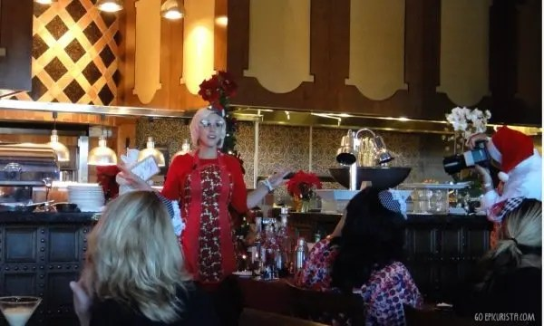 Easy Entertaining Retro Holiday Party with Emily Ellyn and www.goepicurista.com