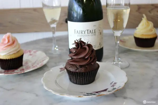 Cupcakes, Bubbles, Fairy Tales with Cinderella Movie and www.goepicurista.com