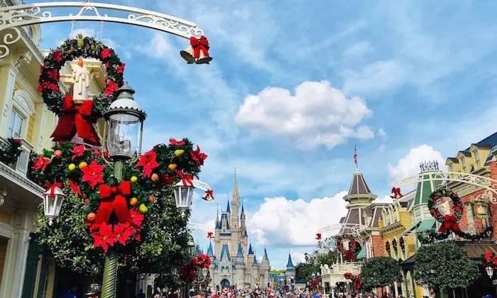 Best Holiday and Christmas celebrations in Orlando include Theme Parks fun and special events around local Orlando neighborhoods.