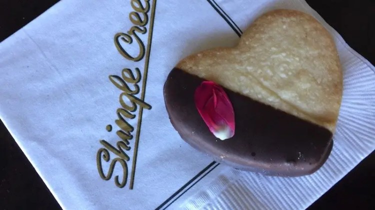 Rosen Shingle Creek Resort for foodies heart shaped cookie