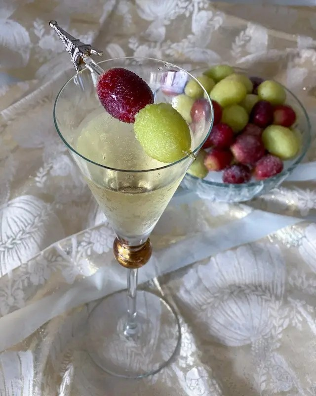 Frosted Frozen Grapes Recipe for easy entertaining accompaniment to sparkling wine or as a party snack