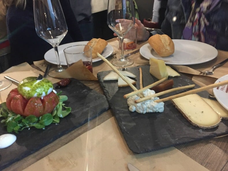 Exceptional tapas, wine and Sangria at the Taste Gallery in Madrid