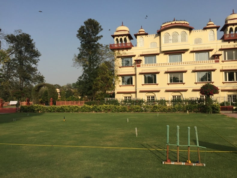 Luxurious hotels await when you visit India