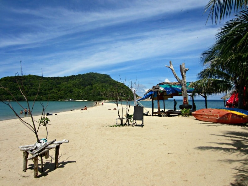 A lovely day at the beach in Koh Phangan on our Thailand holiday