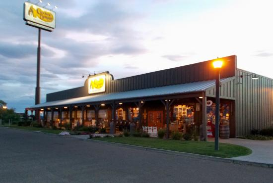 cracker barrel, pueblo co