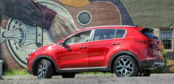 2016 Kia Sportage (red)