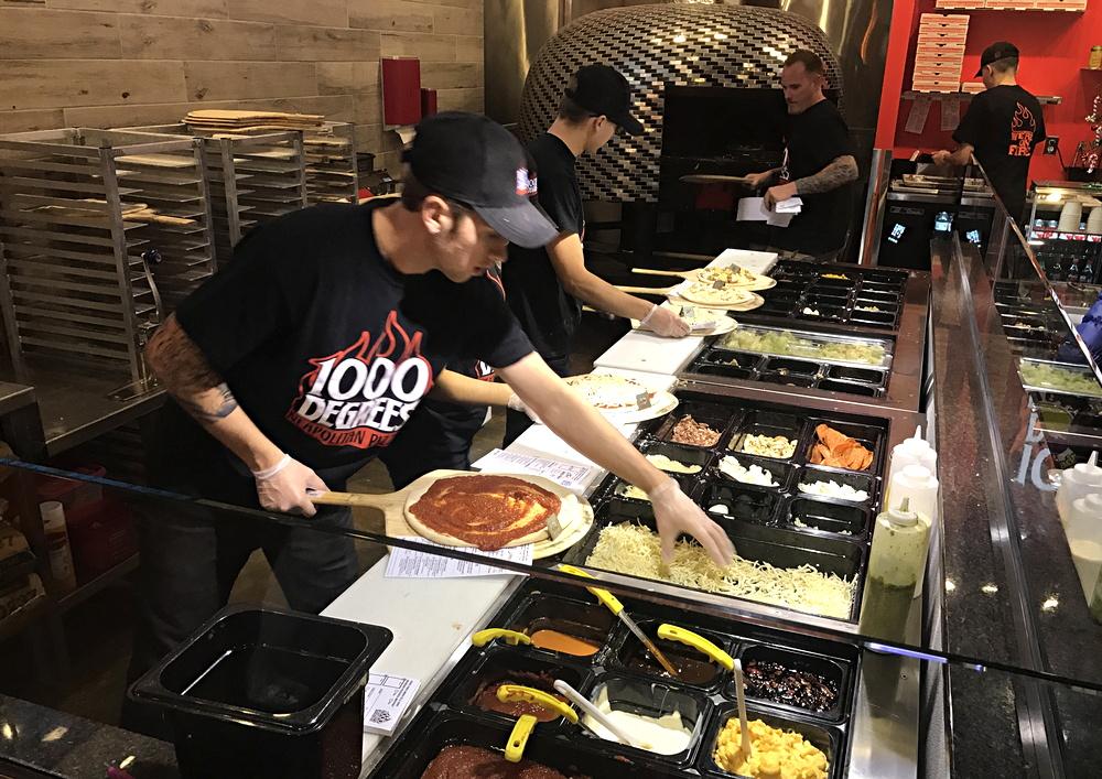 1000 degrees pizza denver making pizza