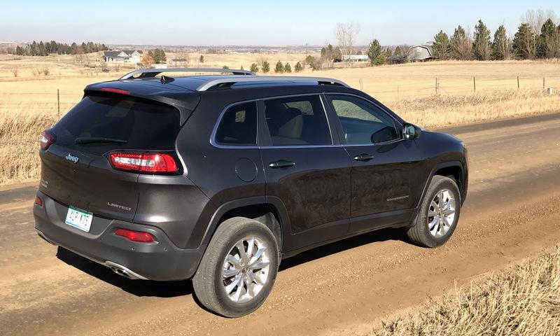 2017 jeep cherokee, rear side view